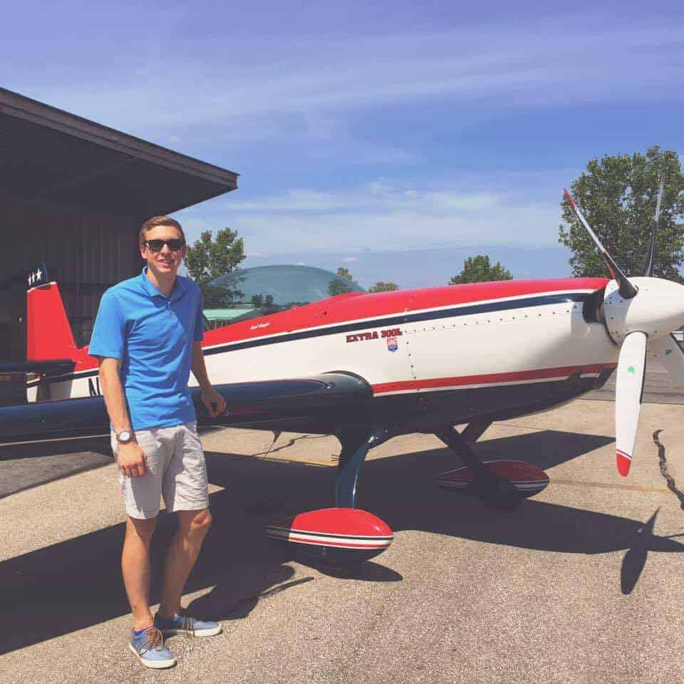 Flying aerobatics in an extra 300L
